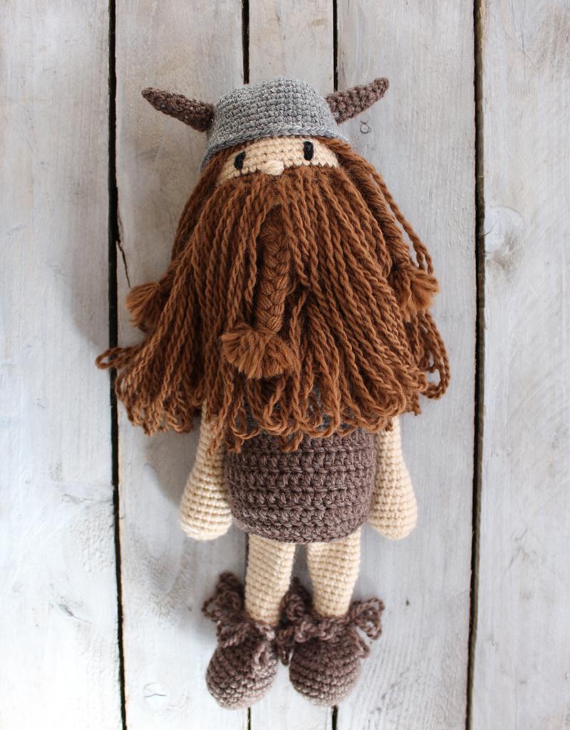 Free Pattern: Viking dolls Leif & Astrid in elann.com Peruvian ... | 1024x800