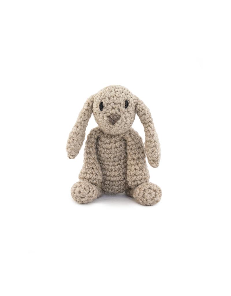 Mini Backpack Keychain Free Crochet Pattern | Coelho de crochê ... | 1024x800
